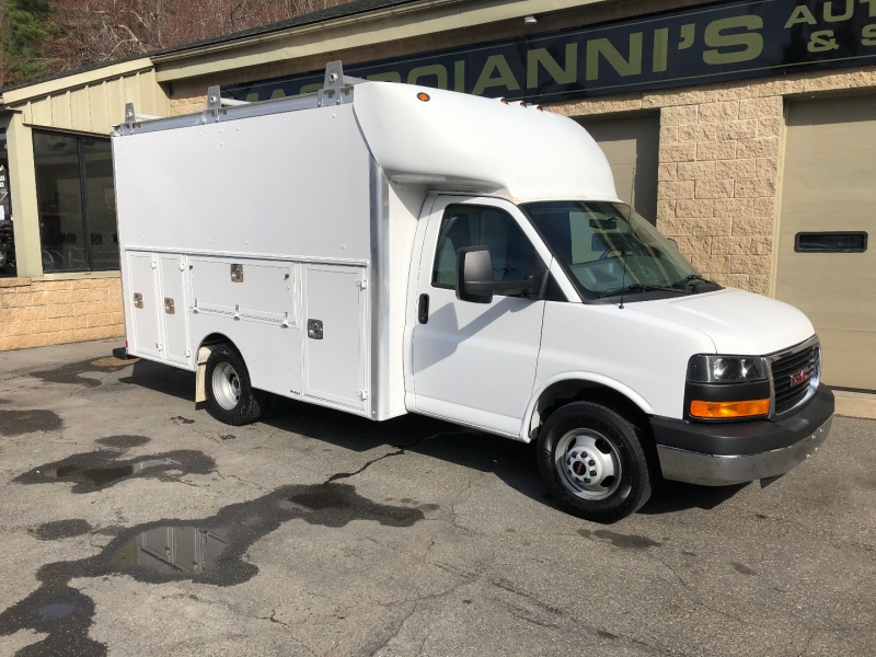 GMC Savana Commercial Cutaway 2016 price $35,000