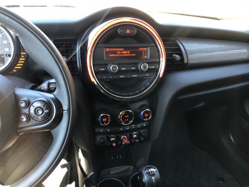 Mini Cooper Hardtop 2016 price $17,500
