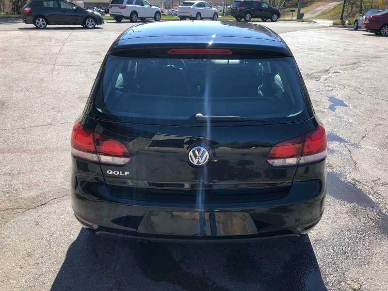 Volkswagen Golf 2011 price $10,500