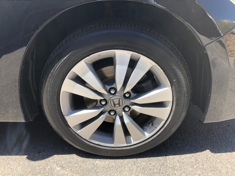 Honda Accord Cpe 2012 price $12,500