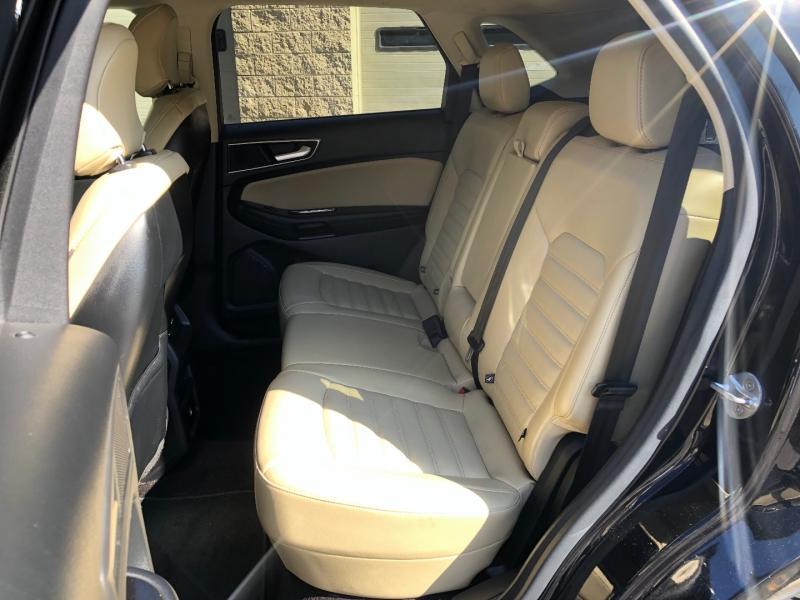 Ford Edge 2016 price $22,900