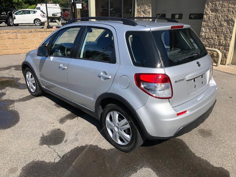 Suzuki SX4 2011 price $7,900