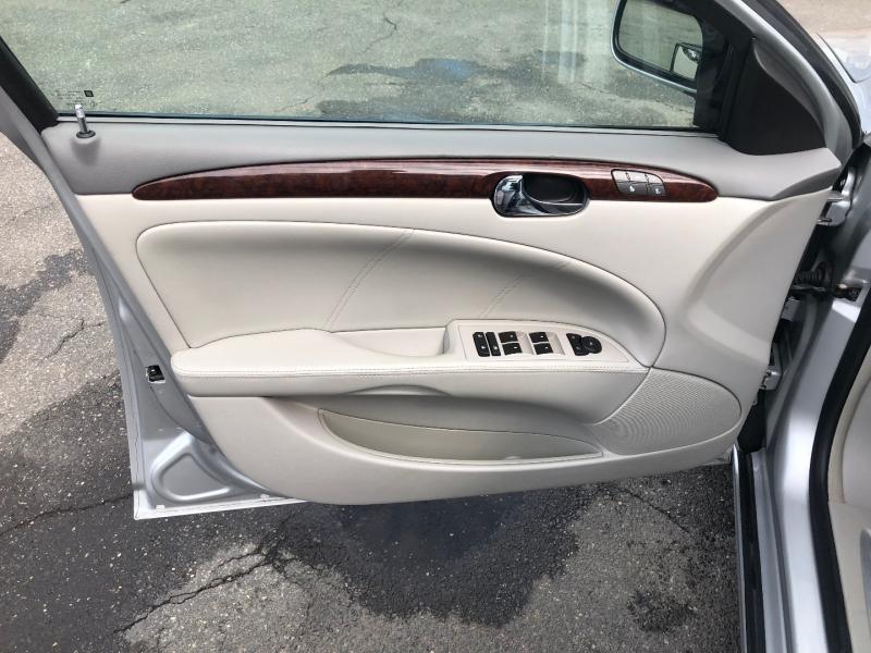 Buick Lucerne 2011 price $11,900