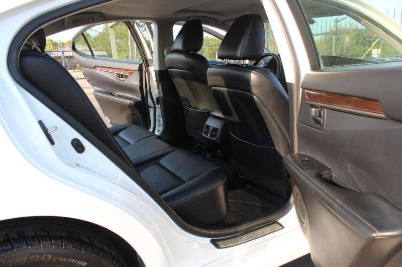 LEXUS ES 2015 price $16,900