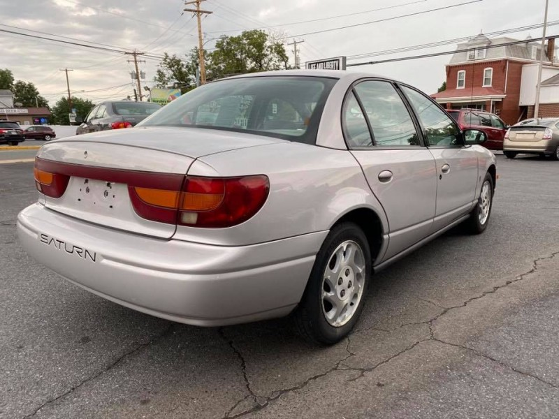 Saturn SL2 2001 price $2,700