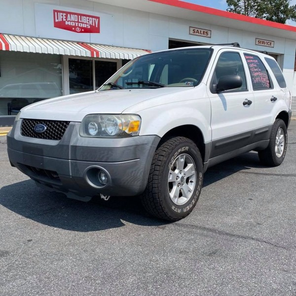 Ford ESCAPE 2005 price $3,044