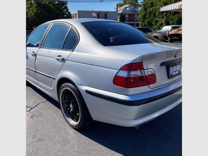 BMW 3-Series 2002 price $3,700