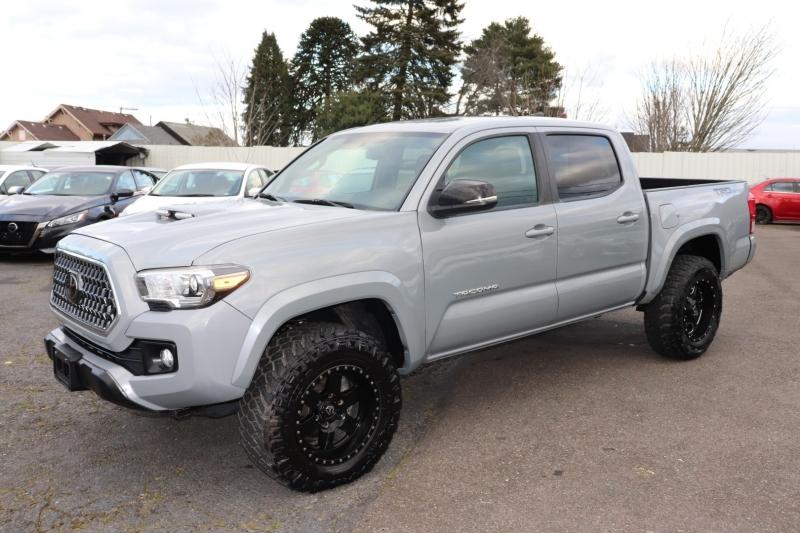 Toyota Tacoma 2018 price $24,950