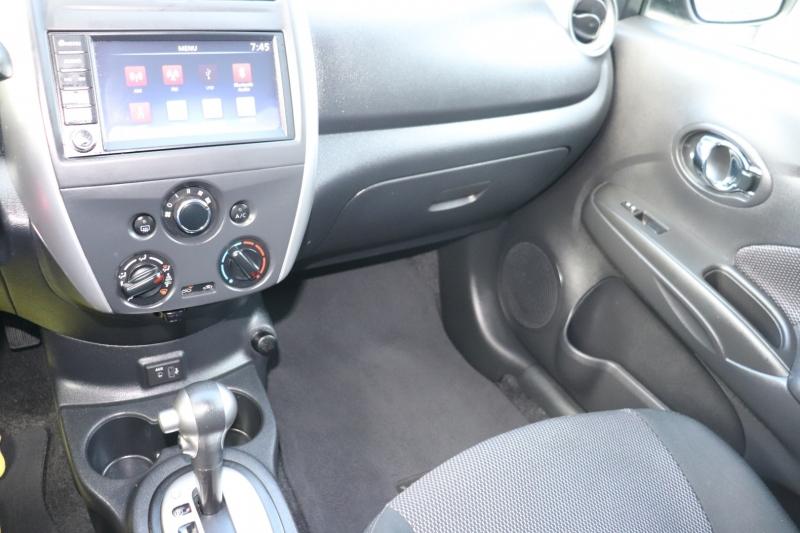 Nissan Versa Sedan 2019 price $11,700