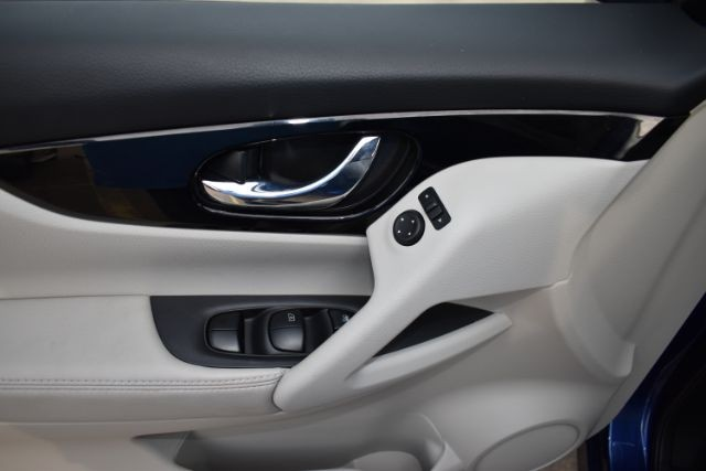 Nissan Rogue Sport 2017 price $0