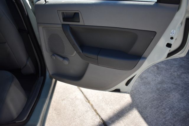 Ford Focus 2010 price $6,381
