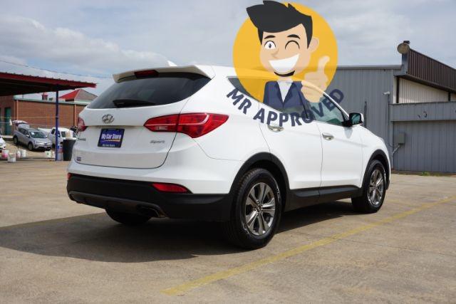Hyundai Santa Fe 2016 price $13,689