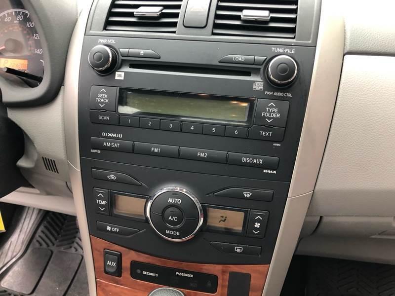 Toyota Corolla 2010 price $3,900