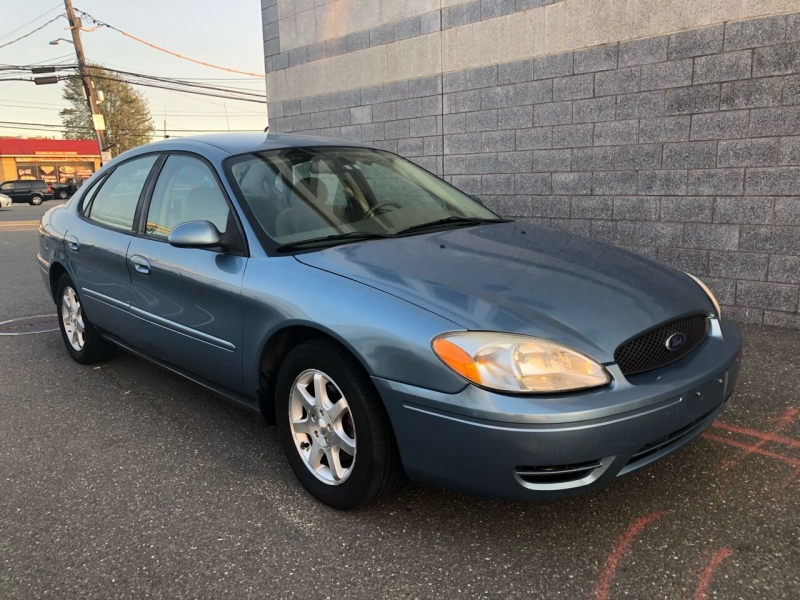 Ford Taurus 2006 price $2,350