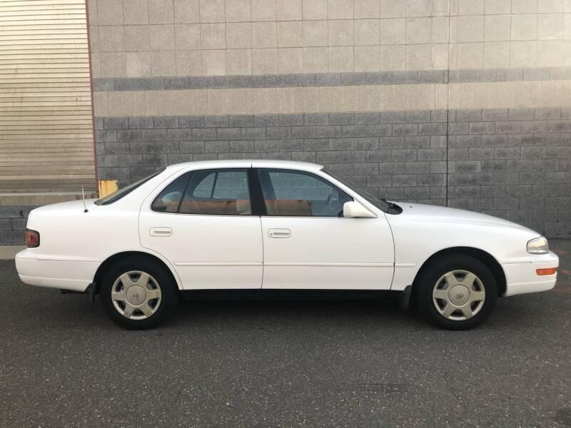 Toyota Camry 1994 price $1,600