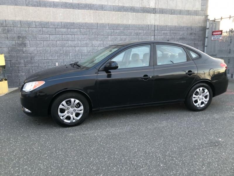 Hyundai Elantra 2009 price $4,475