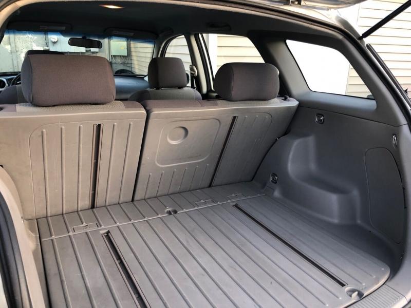 Toyota Matrix 2004 price $3,950