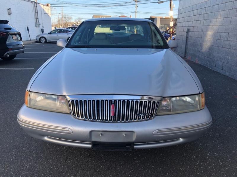 Lincoln Continental 1995 price $2,900