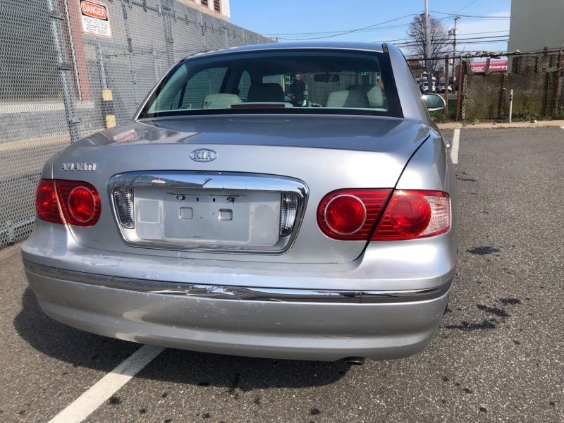 Kia Amanti 2004 price Call for Pricing.