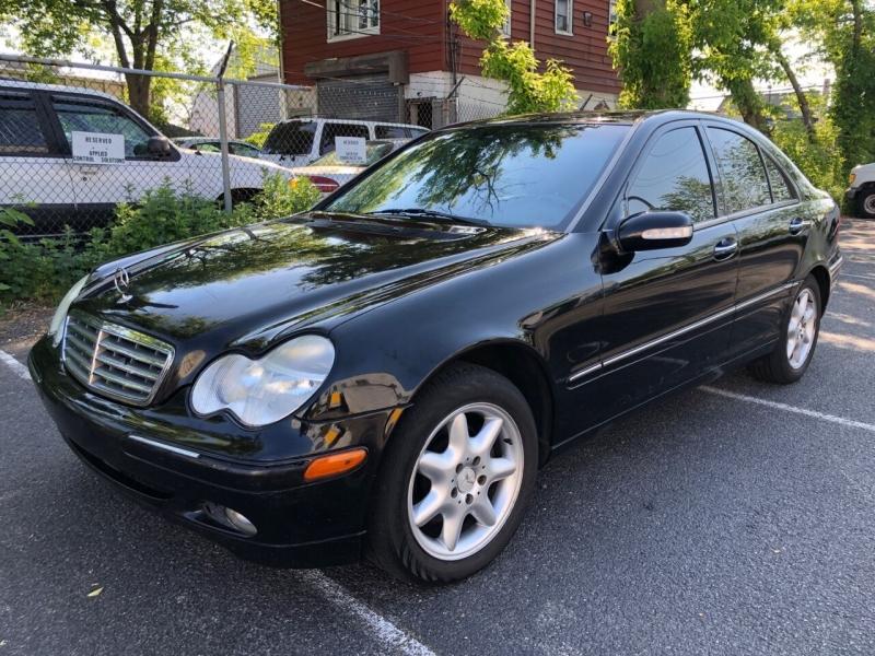 Mercedes-Benz C-Class 2002 price $2,850