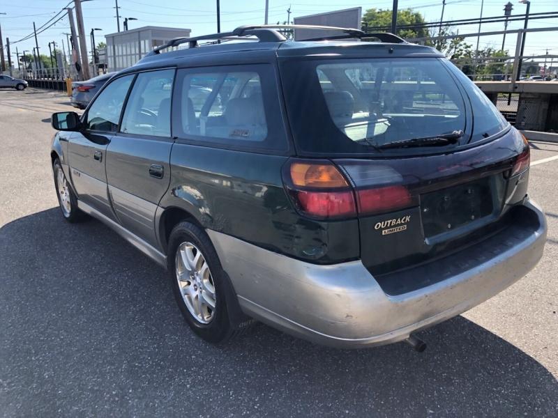 Subaru Outback 2000 price $2,750