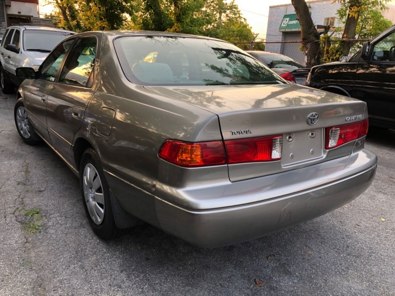 Toyota Camry 2001 price $2,975