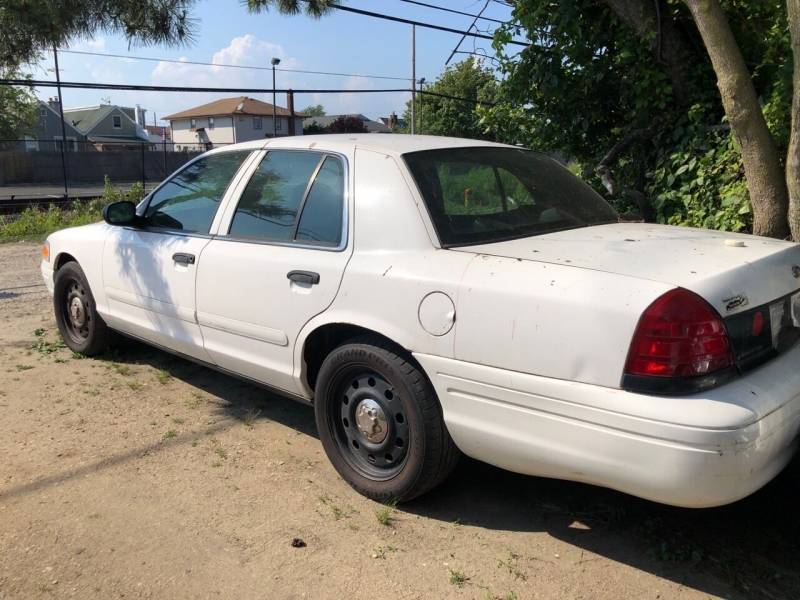 Ford Crown Victoria 2007 price $1,400