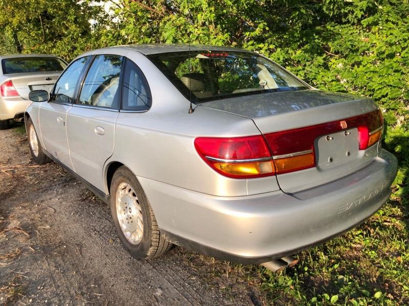 Saturn L-Series 2000 price $2,350