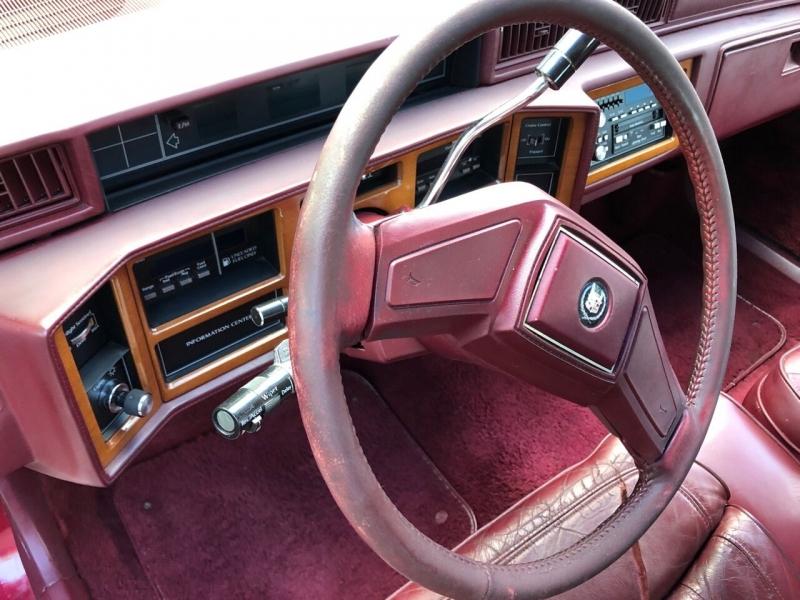 Cadillac Fleetwood 1989 price $4,000