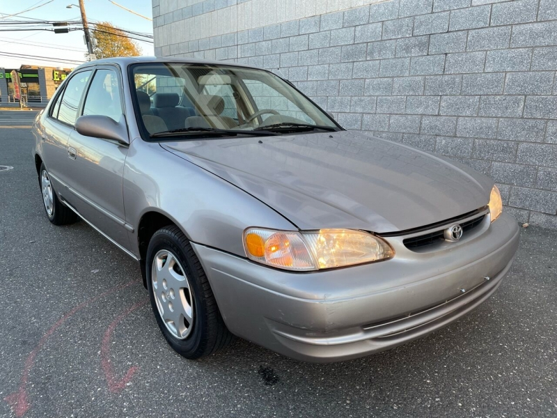 Toyota Corolla 1999 price Call for Pricing.