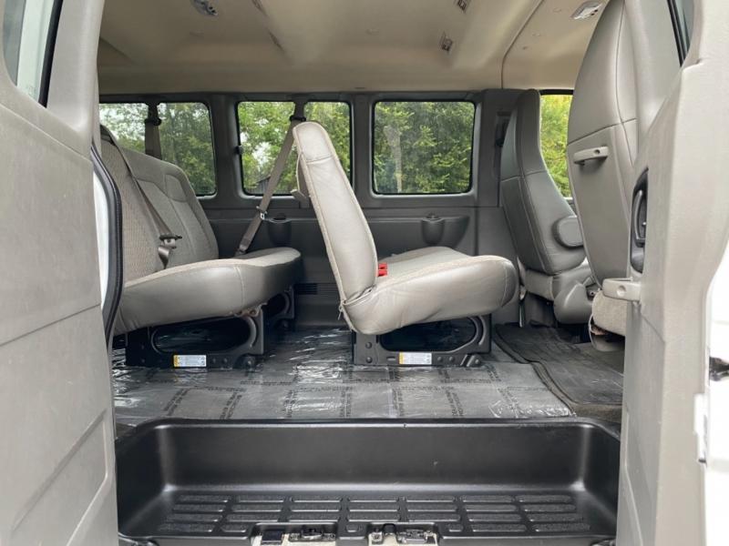 Chevrolet Express Passenger 2017 price $17,990