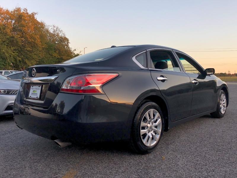 Nissan Altima 2015 price $7,490