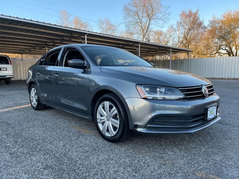 Volkswagen Jetta 2017 price $10,990