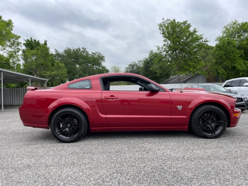 Ford Mustang 2009 price $12,990