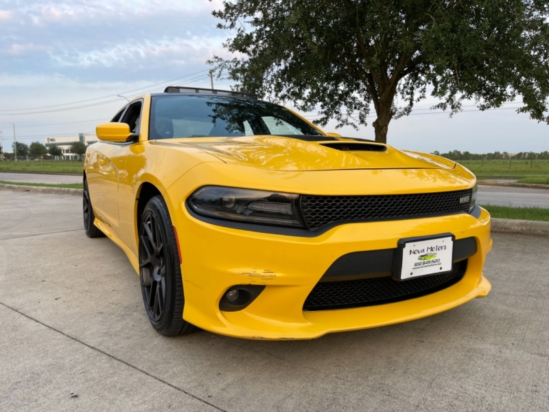 Dodge Charger 2017 price $33,990
