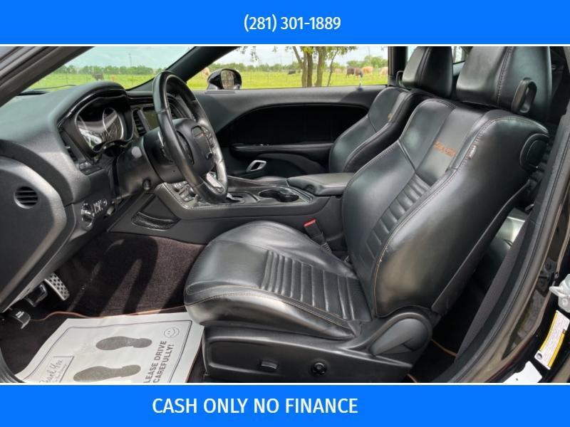 Dodge Challenger 2016 price $17,990