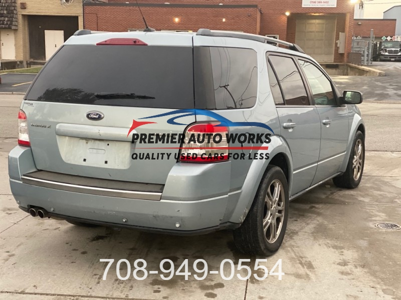 FORD TAURUS X 2008 price $2,999