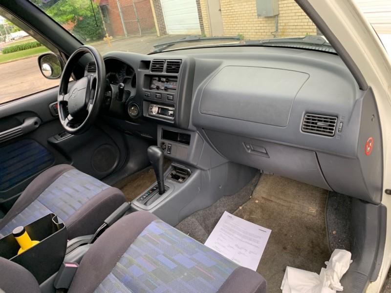 TOYOTA RAV4 1996 price $2,499