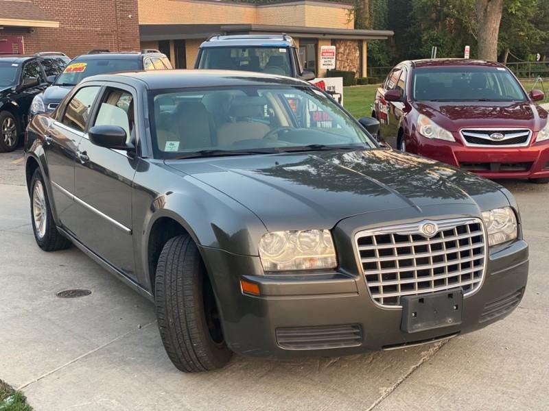 CHRYSLER 300 2009 price $5,999