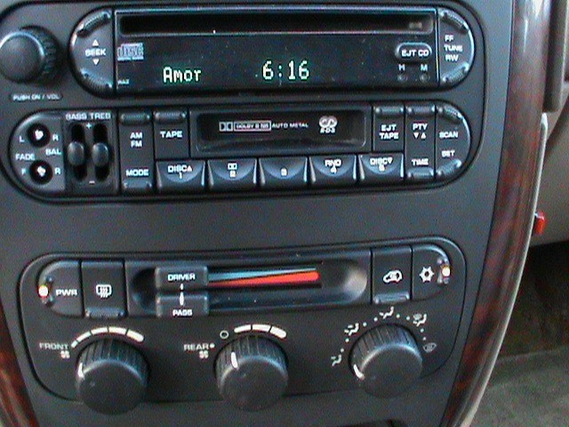 Dodge Grand Caravan 2002 price $13,900