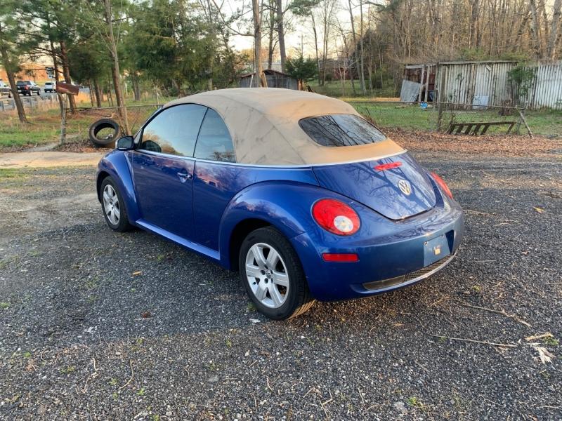 Volkswagen New Beetle Convertible 2007 price $5,499