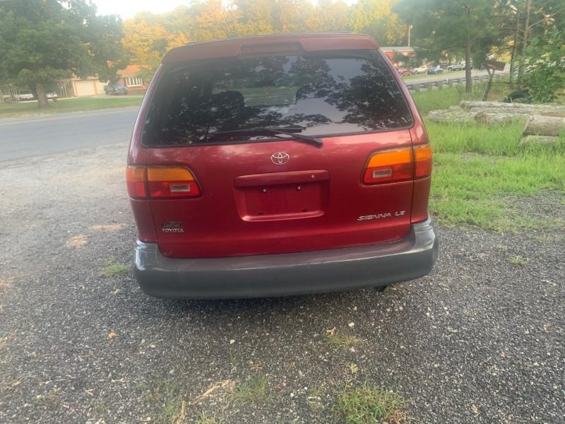 Toyota Sienna 1998 price $2,499