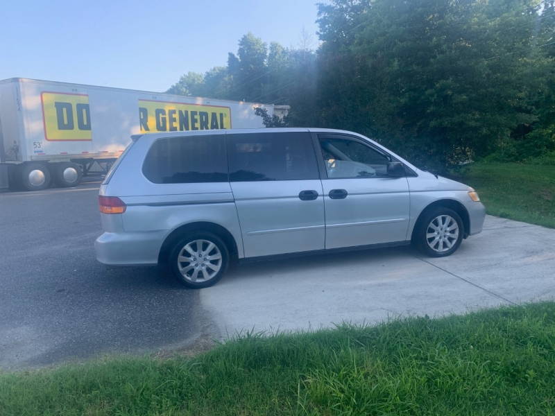 Honda Odyssey 2004 price $3,999