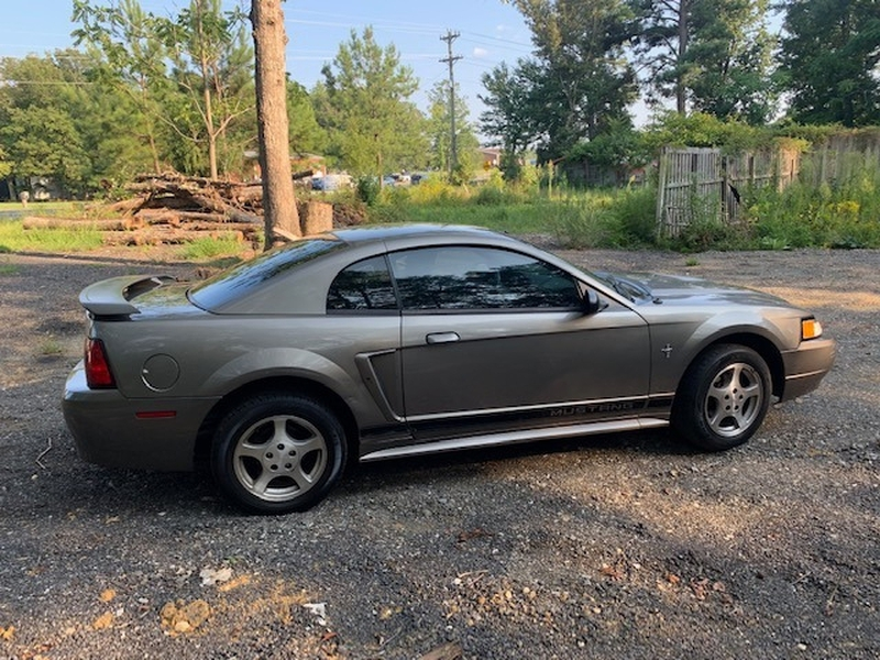 Ford Mustang 2002 price $3,499