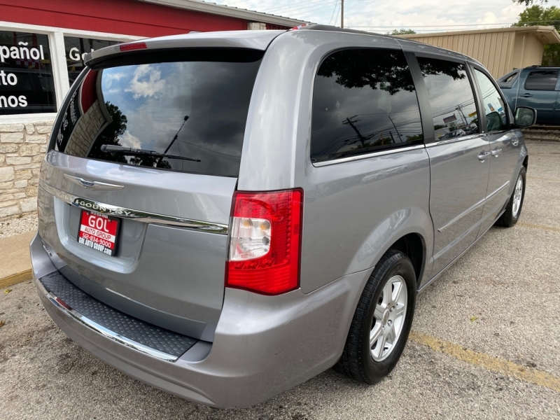 CHRYSLER TOWN & COUNTRY 2013 price $10,990