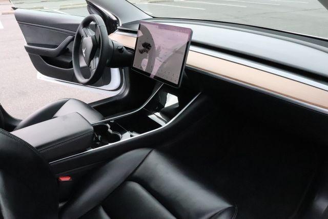 Tesla Model 3 2019 price $42,970