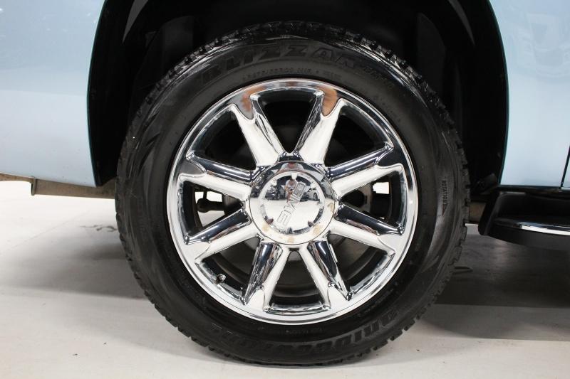 GMC Yukon XL 2011 price $24,950