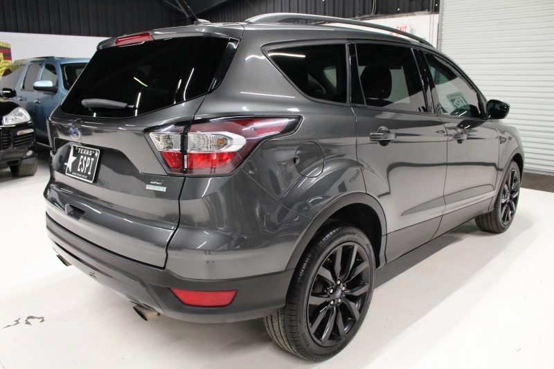 Ford Escape 2017 price $13,550