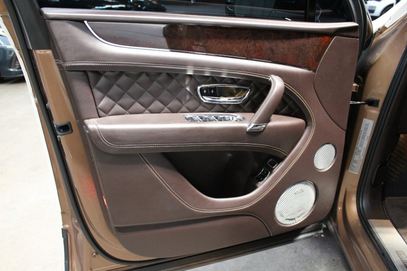 Bentley Bentayga 2017 price $124,950