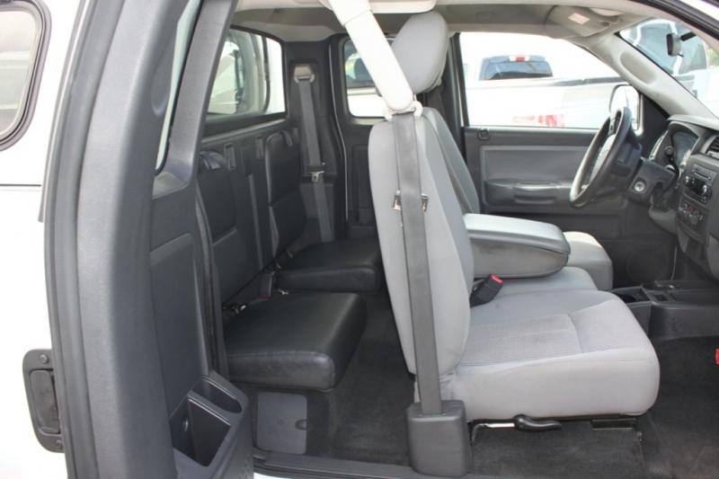 RAM Dakota 38Km/Bighorn/Lonestar 2011 price